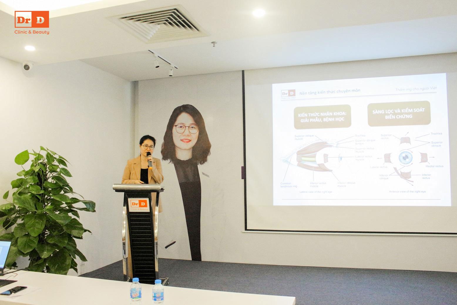 Bác sĩ Hồng Vân chia sẻ về công nghệ cắt mí Elite Eyes